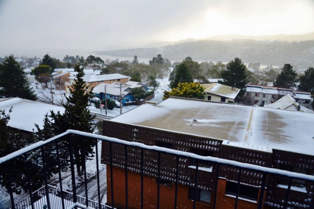 Snow storm over Jindabyne