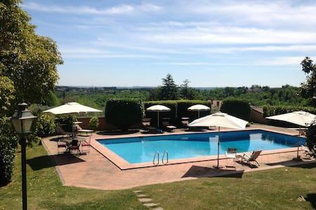 Villa Branka just minutes from Rome - Sacrofano - Villa