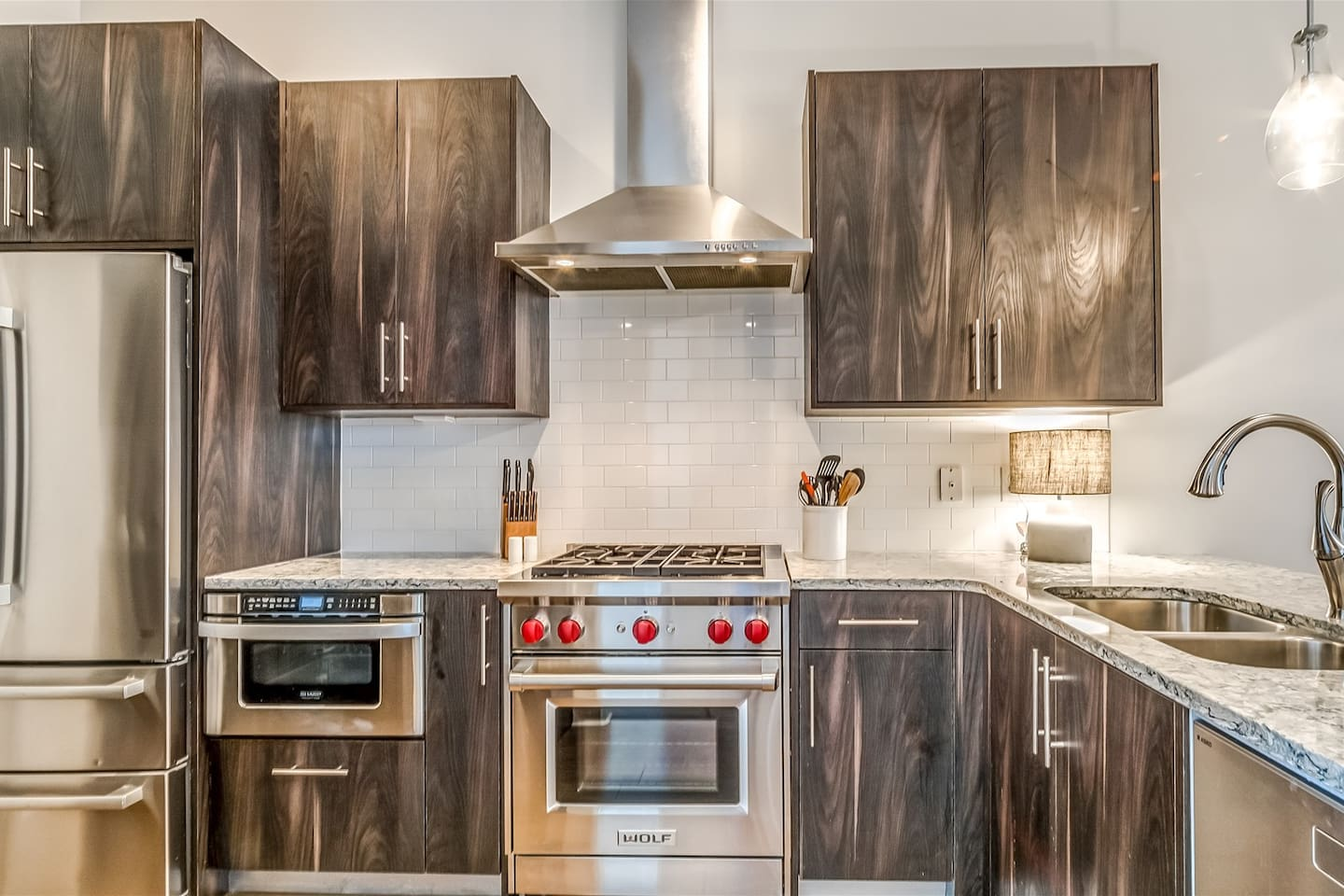 Kitchen - Supplied with Top-Notch Stainless Steel Appliances