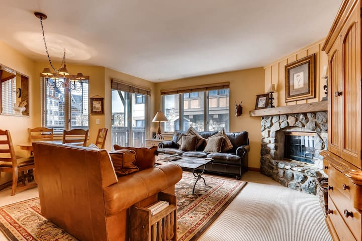 Private Condo in the Heart of Vail Village with Hot Tubs, Pool | Village Inn Plaza 218