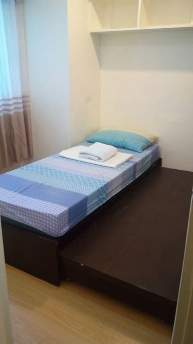 With pull out bed