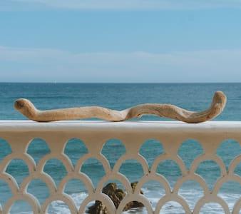 De La Costa, Beach Front at La Fortuna (1/4)
