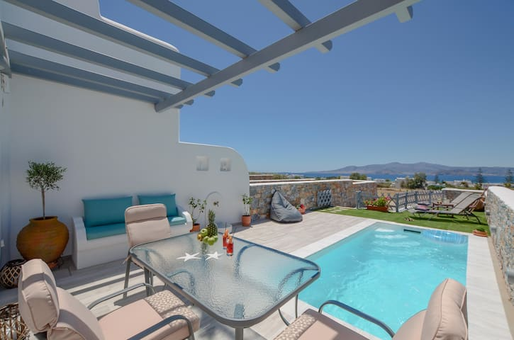 Irianna of Naxos Maisonette House with Pool & View