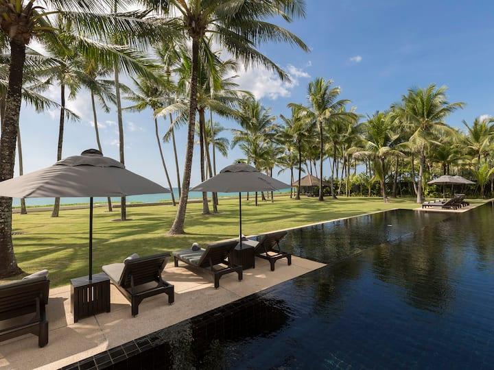 Beachfront Jivana Beach Villas - Villa Shanti, 6BR, Natai Beach w/ chef