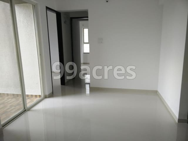 Spacious 2BHK with Pool & GYM