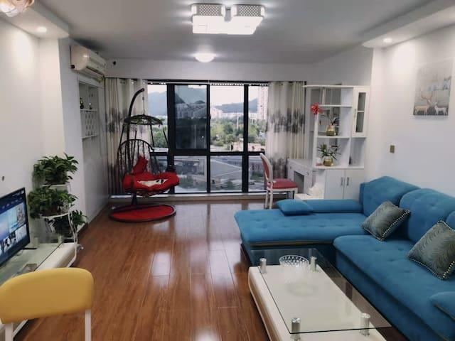 江景商圈loft温馨时尚家视野开阔大床房