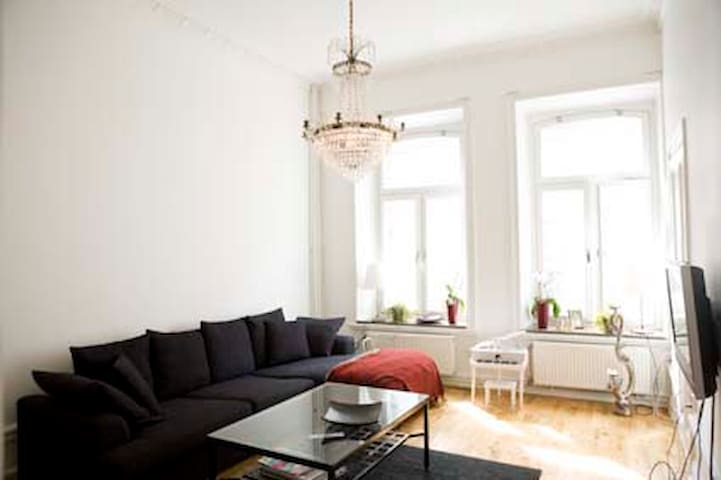 A beautiful 2 BR city apartment - Stockholm - Appartement