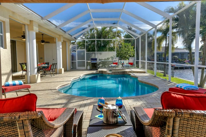Gulf Access West Facing 3 Bed/2 Bath Pool/Spa home