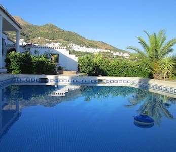 A Secluded Villa with Private Pool - Canillas de Aceituno - Ev