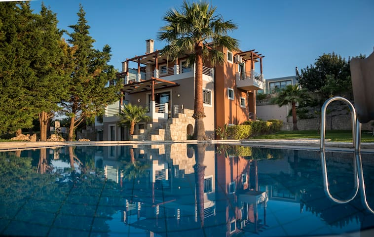 Athina Luxury Villas Chania - Platanias