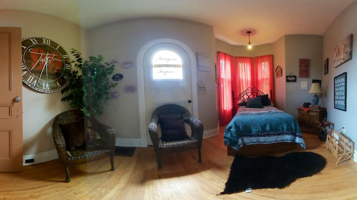 Room #1 at 38 Rideout St W