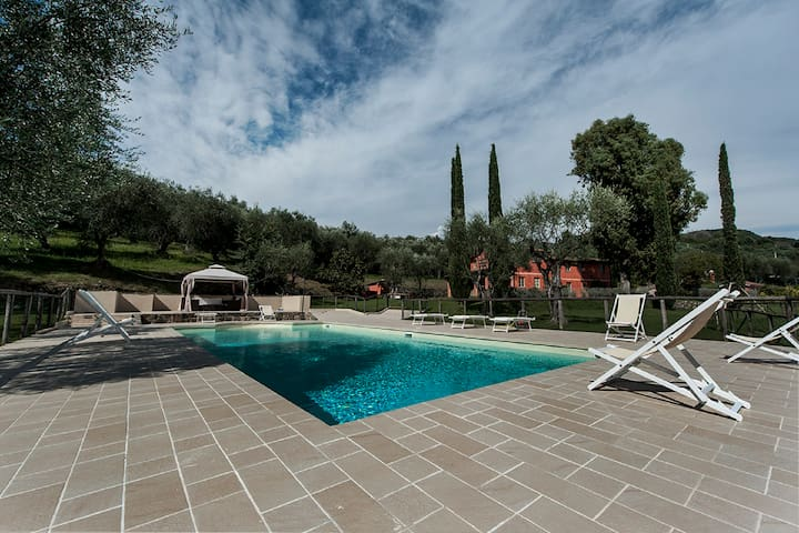 Luxury villa with private pool near Versilia Coast
