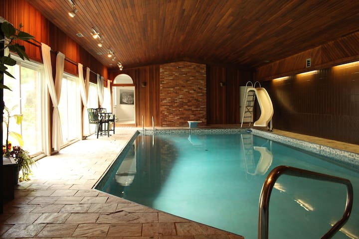 A Luxury Sanctuary: Guest house with indoor pool.