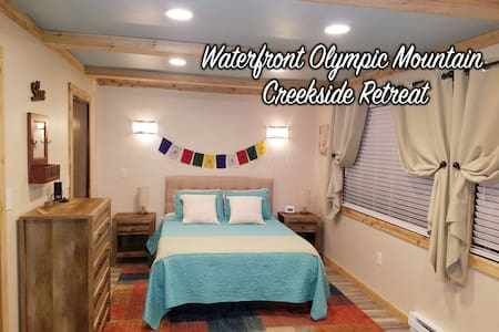 Waterfront Creekside Sanctuary Retreat + Sauna!