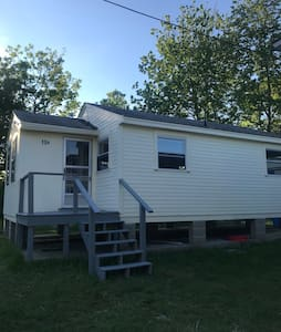 York Beach Summer Breeze cottage (B) Pet friendly