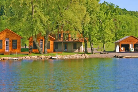 DeRuyter Lake NY Cozy Bass Cottage on South Shore