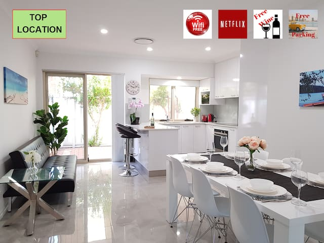 LUXURY HOUSE TOP LOCATION 5MIN TO PERTH CITY⭐CROWN