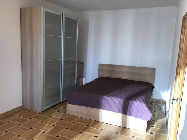 Lypynskogo Apartment