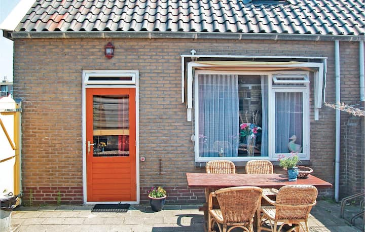 Holiday cottage with 3 bedrooms on 60m² in Egmond Aan Zee