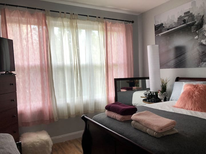 (9) 10 MIN to NYC/ Lovely, Cozy Room
