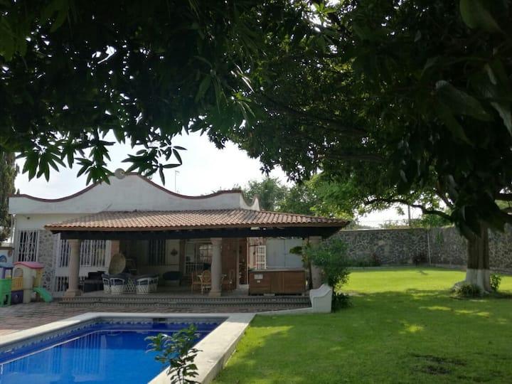 Hermosa Quinta de relax y diversión en Temixco