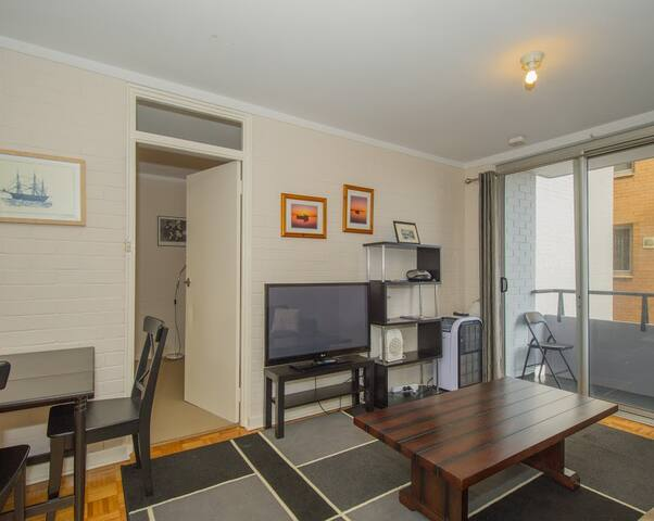 Cosy 1 bedroom apartment in the middle of town - Fremantle - Apartment
