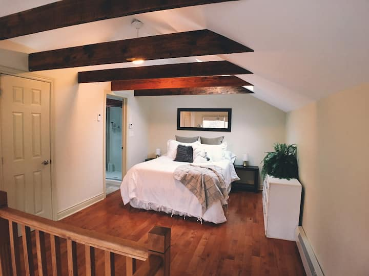 *New* The Carriage House - Unit 1