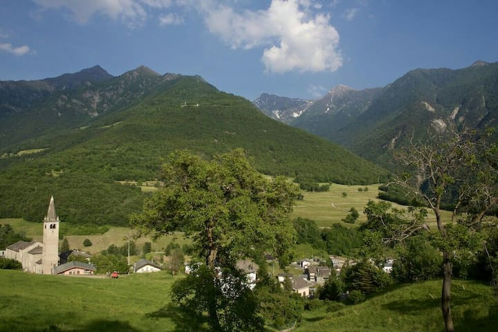 Casa vacanze,trekking bassa Via VDA