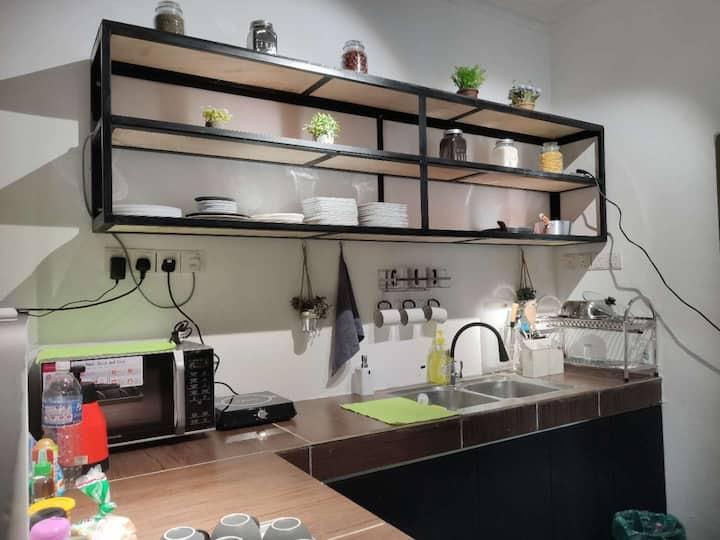 蓝海潜水旅舍【独立单人房1】共用卫生间 - 免费使用桑拿和蒸汽房
