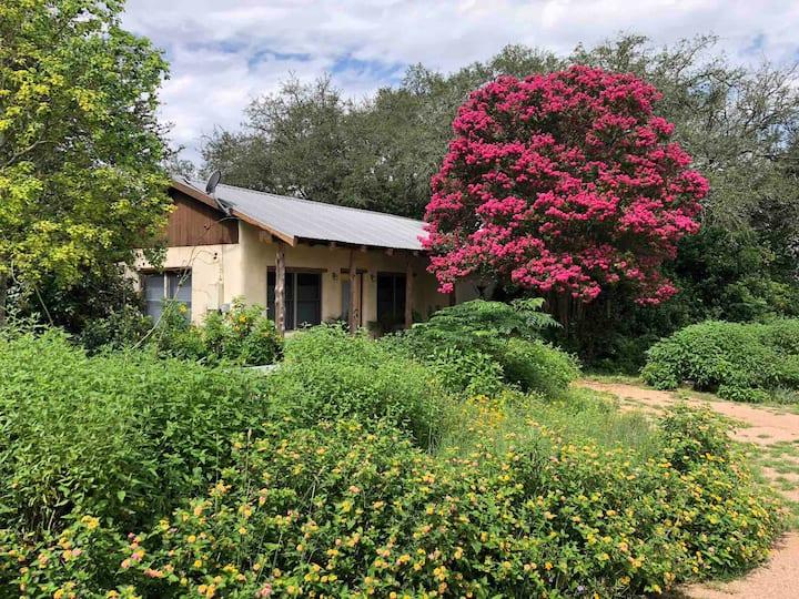 Hudson Bend Ranch - Sunrise Casita