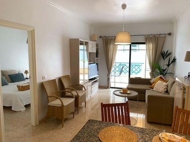 Apartamento luminoso con terraza en Playa Jardín
