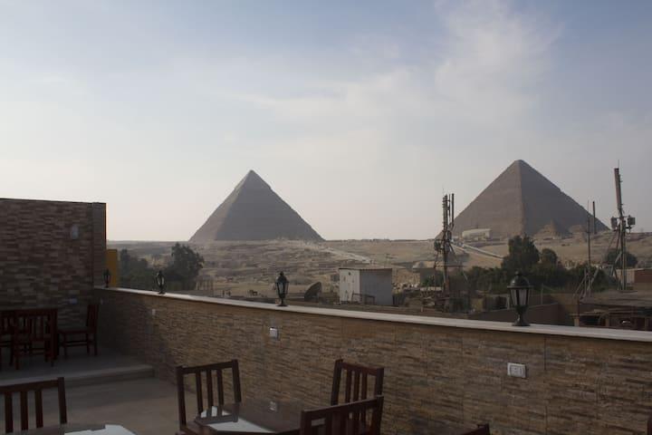 pyramids village inn