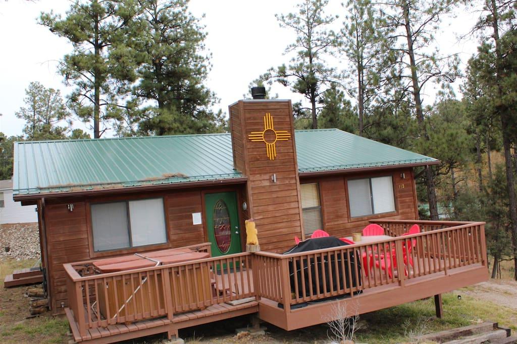Hilltop Cabin - Cozy Cabins Real Estate, LLC