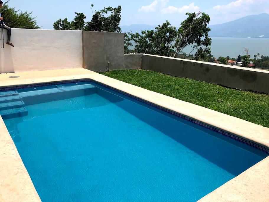 Alberca privada con vista al lago | Private pool with lake view