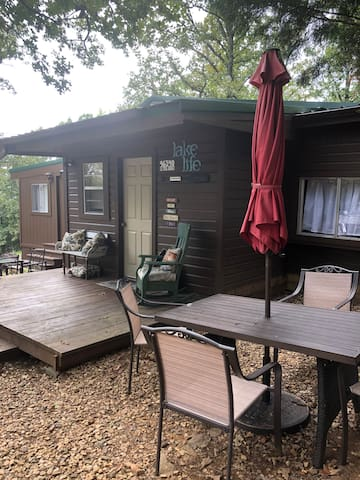 Cookout, hang out, sit and relax, enjoy the quiet; yet, you are in close proximity to restaurants.