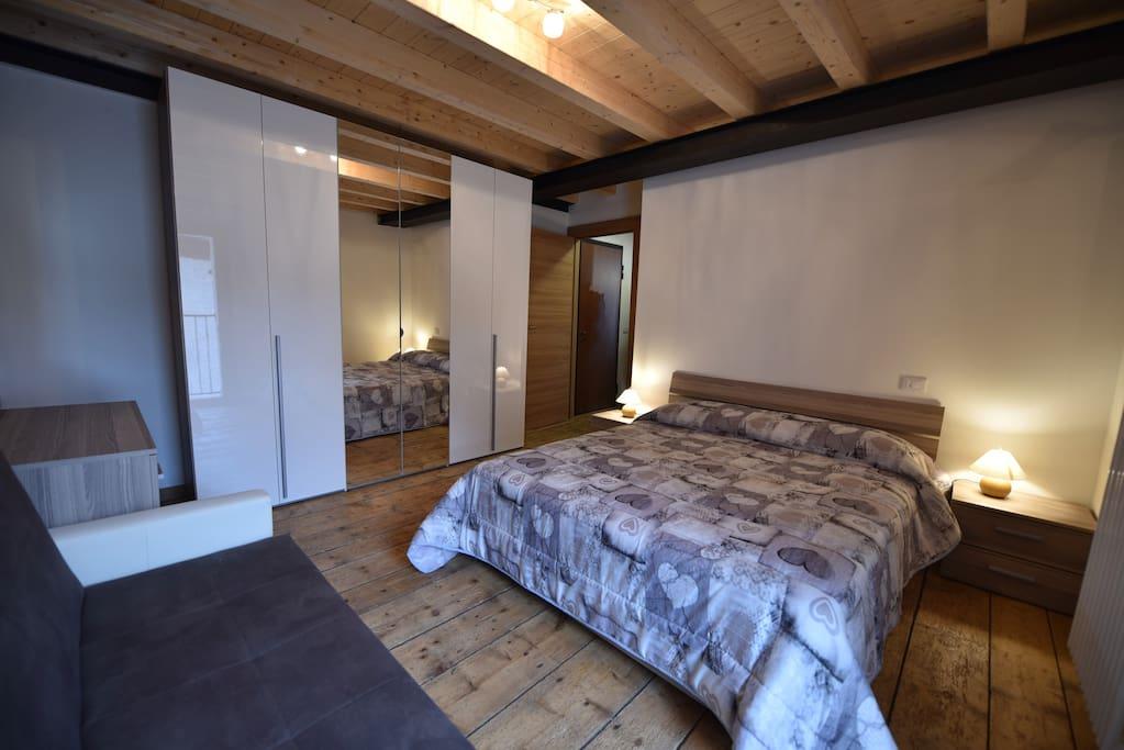 Camera da letto con ampio armadio