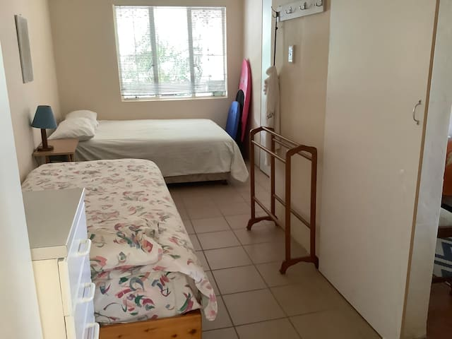 Bedroom 4 with inter leading door to bedroom 2 and 3. Suitable for children only.
