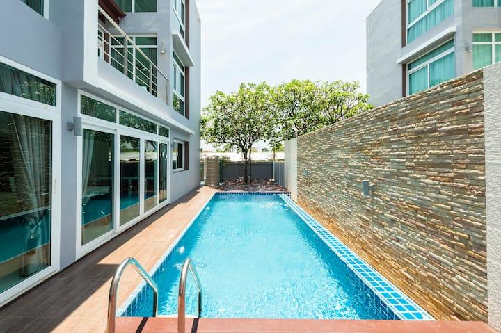 Pool Villa Suite Sea View @ Heart of HuaHin