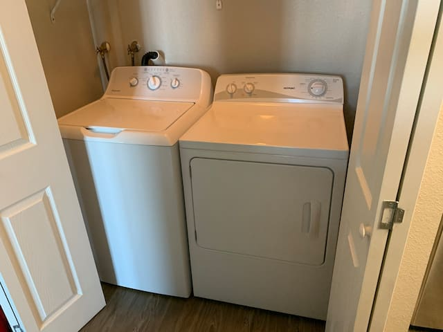 Private bedroom and private bathroom in Emeryville