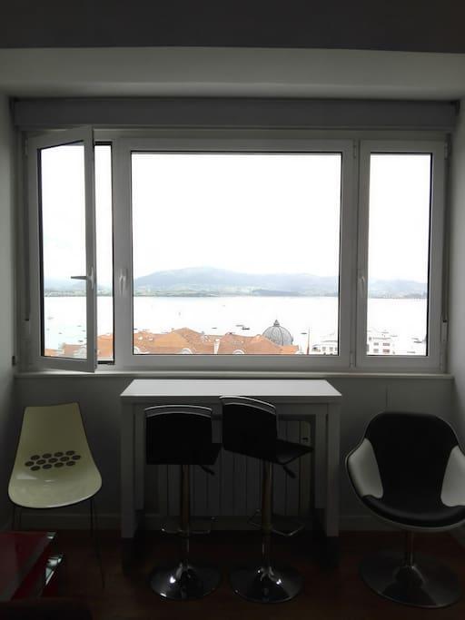 ventanal con increíbles vistas sobre la bahía