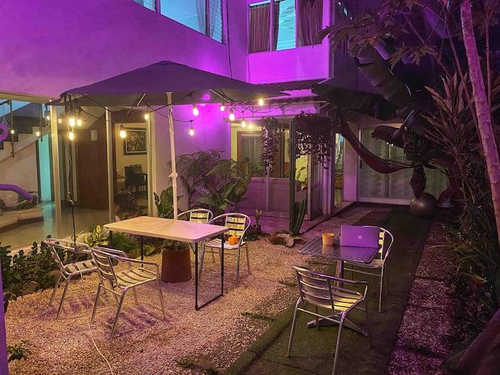 SPACIOUS ROOM IN BANANA HOUSE