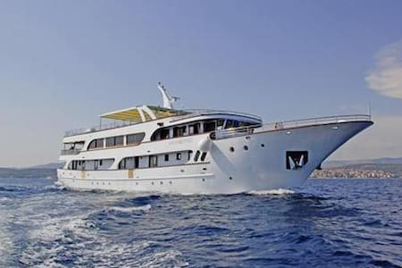 7-Day All Inclusive Cruise from Split to Dubrovnik - Split - Barco