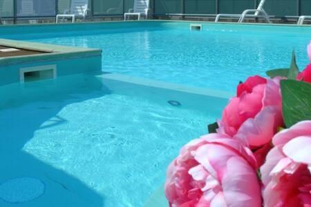 App. Bilocale con piscina panoramica - Cattolica - 公寓