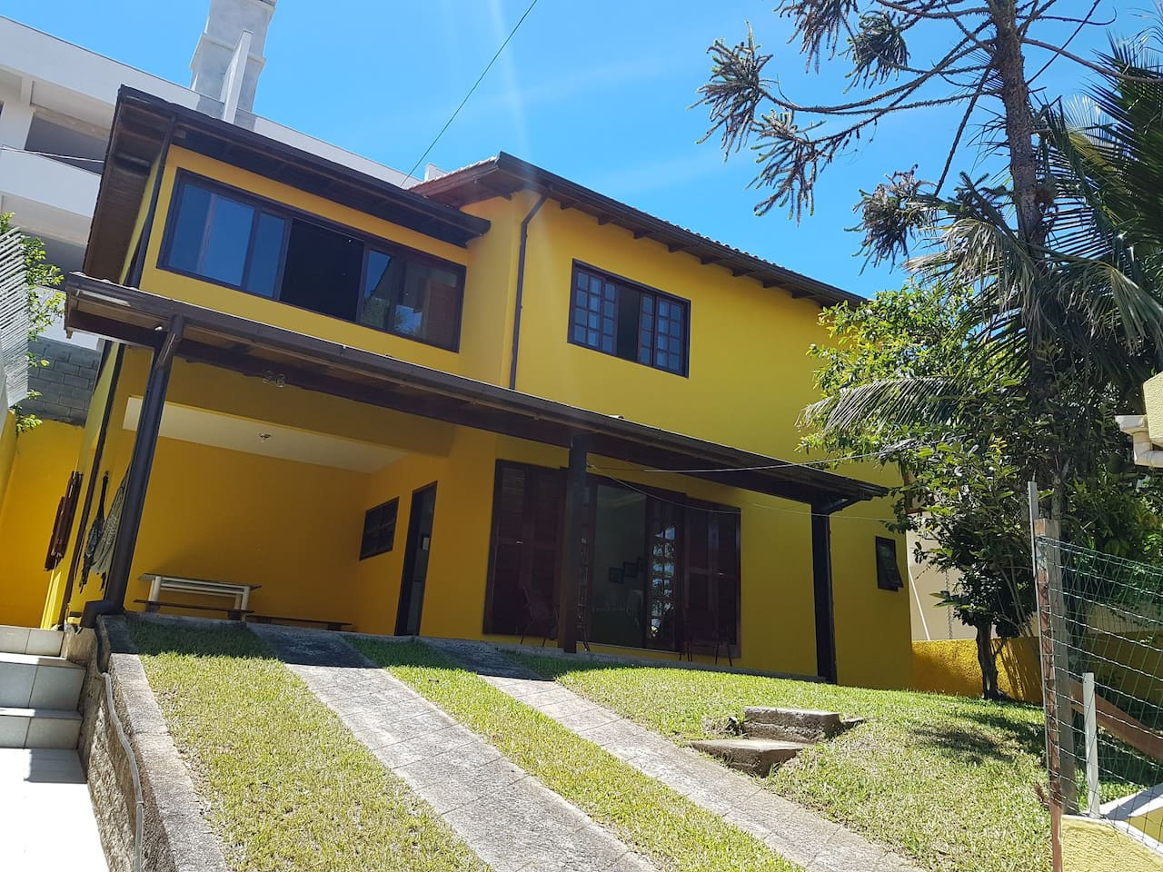 Esta é a nossa Casa Amarela