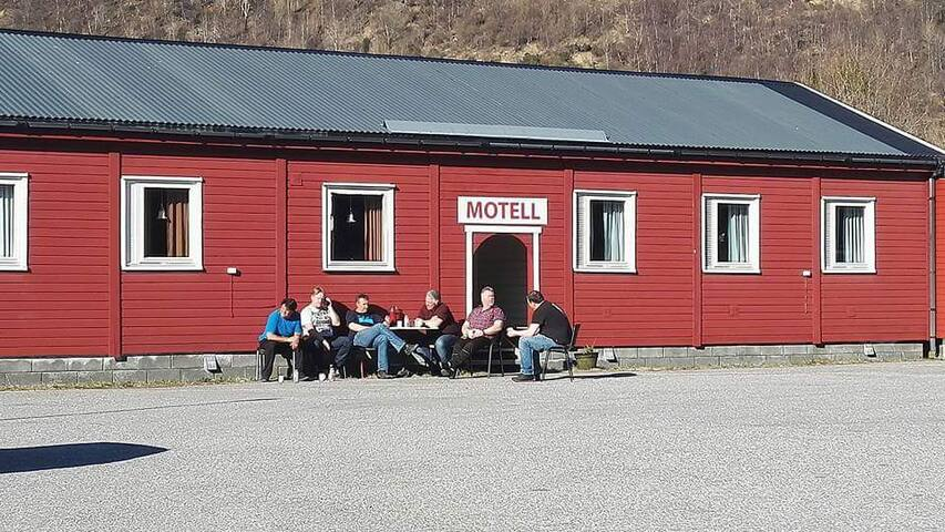 Fjordbua Cafe and motel - Nordland - Bed & Breakfast