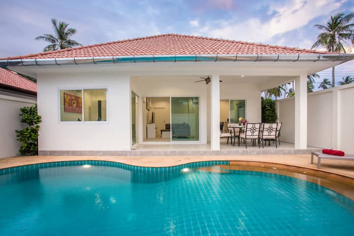 Entirely NEW Pool Villa, 3BR, Excellent Location