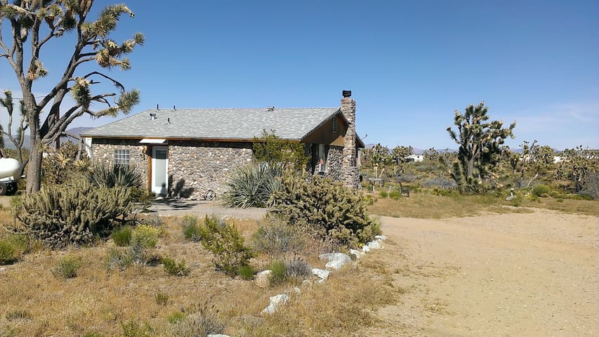Custom Home in Dolan Springs