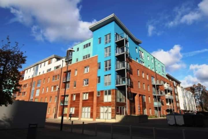 2 Bed flat in central location with ensuite
