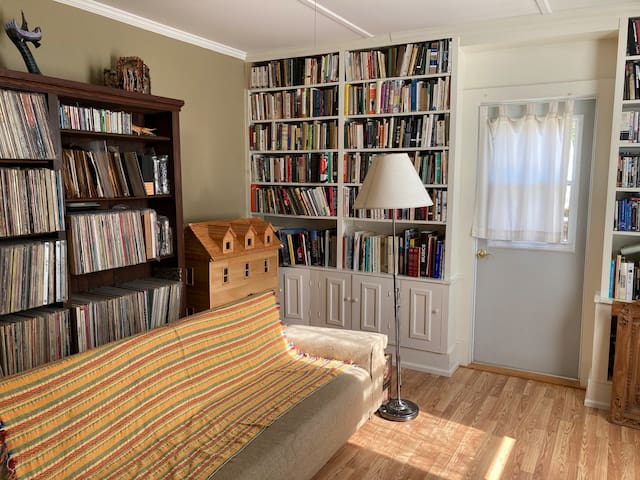 Bedroom 4 with pullout couch