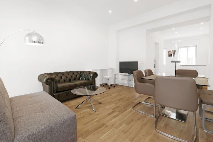 Living room 1 Floor
